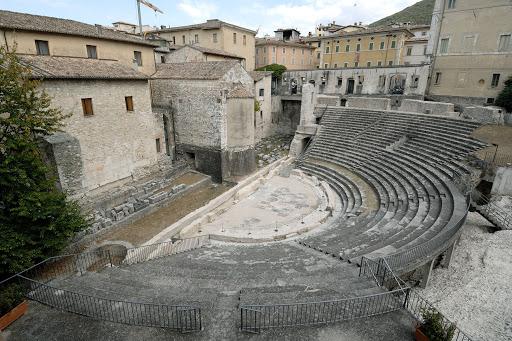 1982-83 Teatro Romano di Spoleto